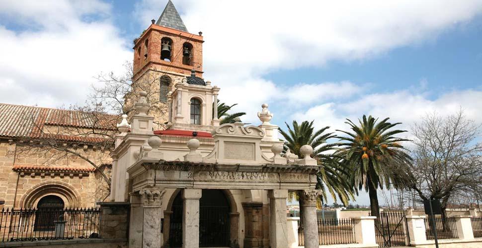Visitas Guiadas a la Basílica Visigoda de Santa Eulalia en Mérida en español, ingles y portugués. Antonio Carrasco Guía Oficial de Turismo.