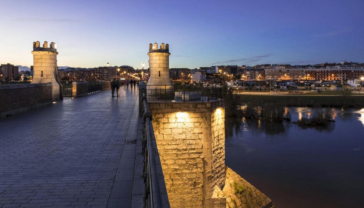 Guías de Turismo en Badajoz, visitas guiadas por el puente viejo