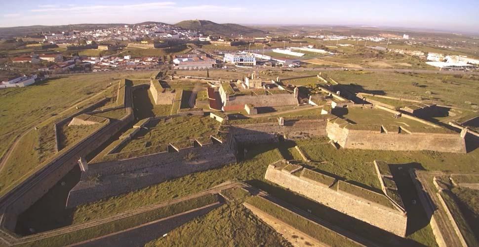 Visitas Guiadas al Fuerte de Santa Lucía de Elvas en inglés, español y portugués con Antonio Carrasco, Guía Oficial de Turismo. AC Turismo.